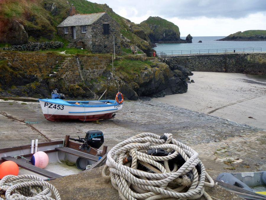 01-Mullion-Cove-near-to-Coverack-2013
