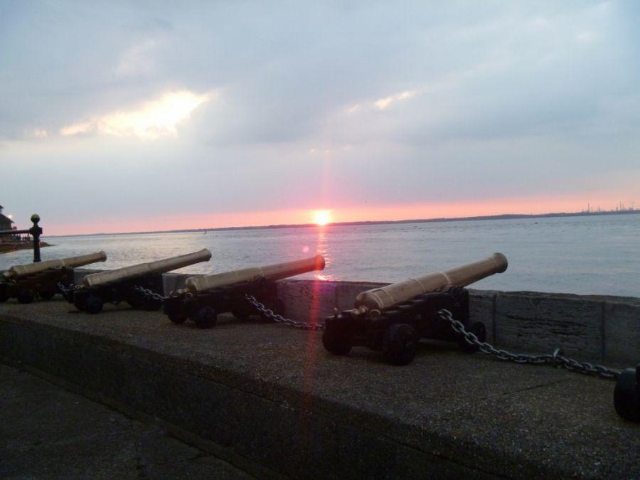 019-Starting-guns-at-W-Cowes-at-sunset-1024x768