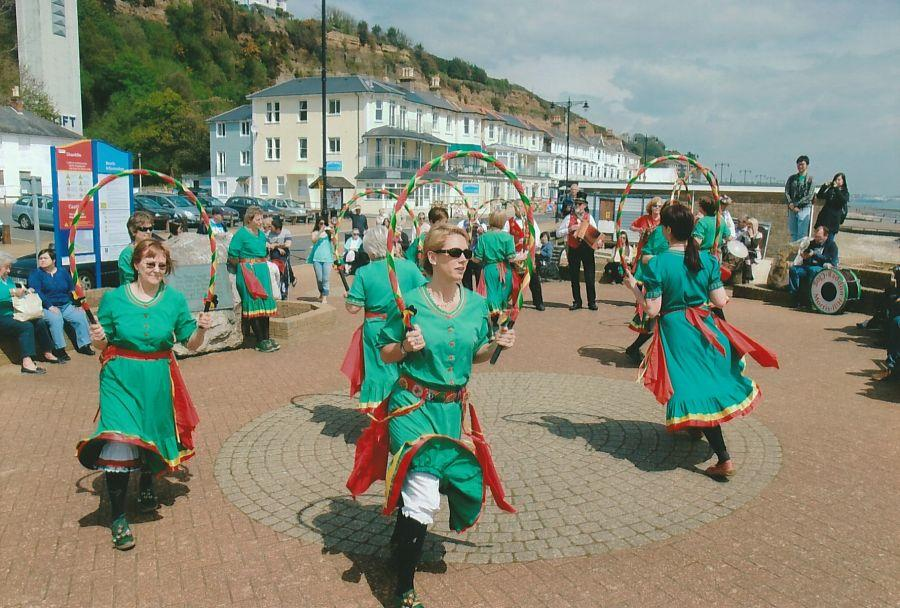Oyster-Girls-at-Shanklin-IoW-2013