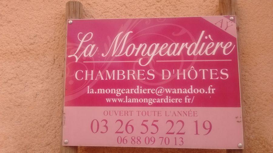 Chambres-dhotes-name-plate