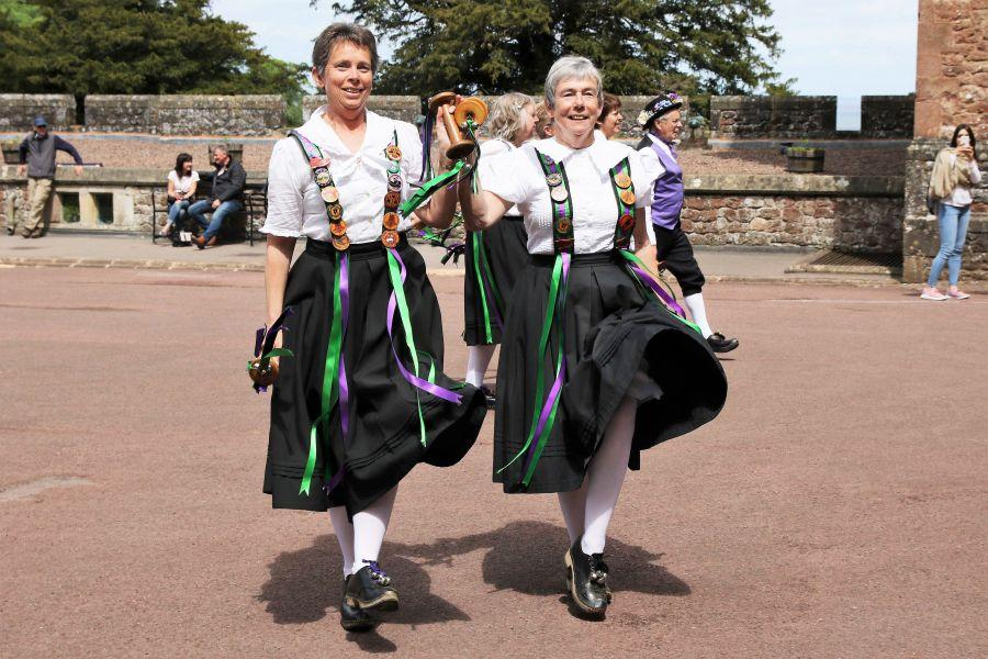 Raddon-Hill-Somerset-weekend---Dunster-Castle-6-Triss-and-Mary-lead-the-dancers-off-DL