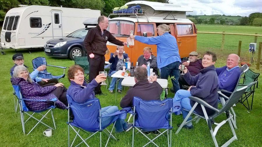 Pimms-oclock-at-West-Somerset-weekend-with-Raddon-Hill
