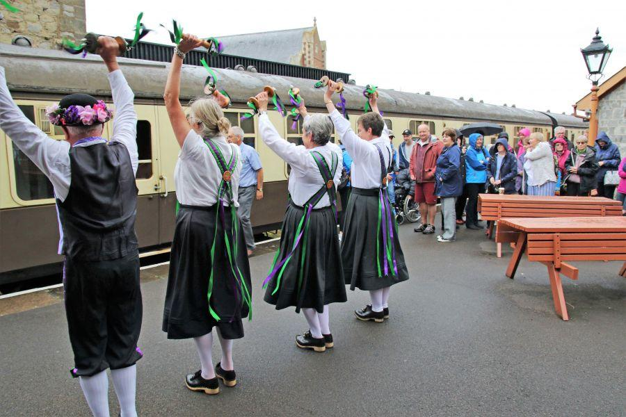 Raddon-Hill-Somerset-weekend-2017-Watchet-station-dancers-greet-the-train-1-from-DL