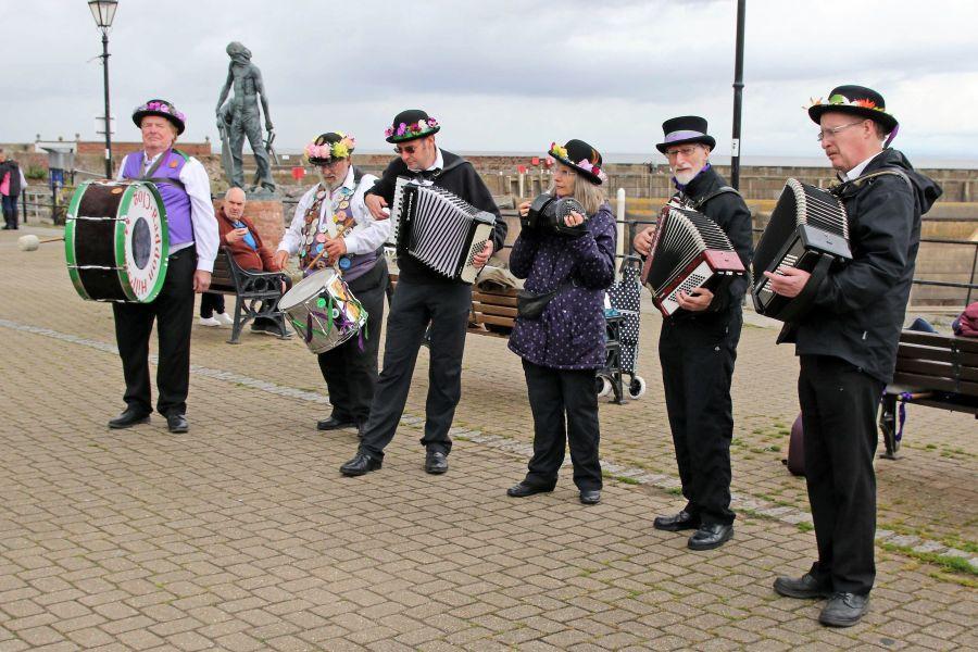 Raddon-Hill-Somerset-weekend-Watchet-The-Band-DL