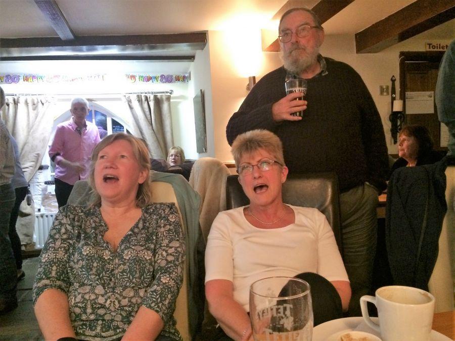 Raddon-Hill-sing-Karaoke-3-Somerset-weekend-May-2017