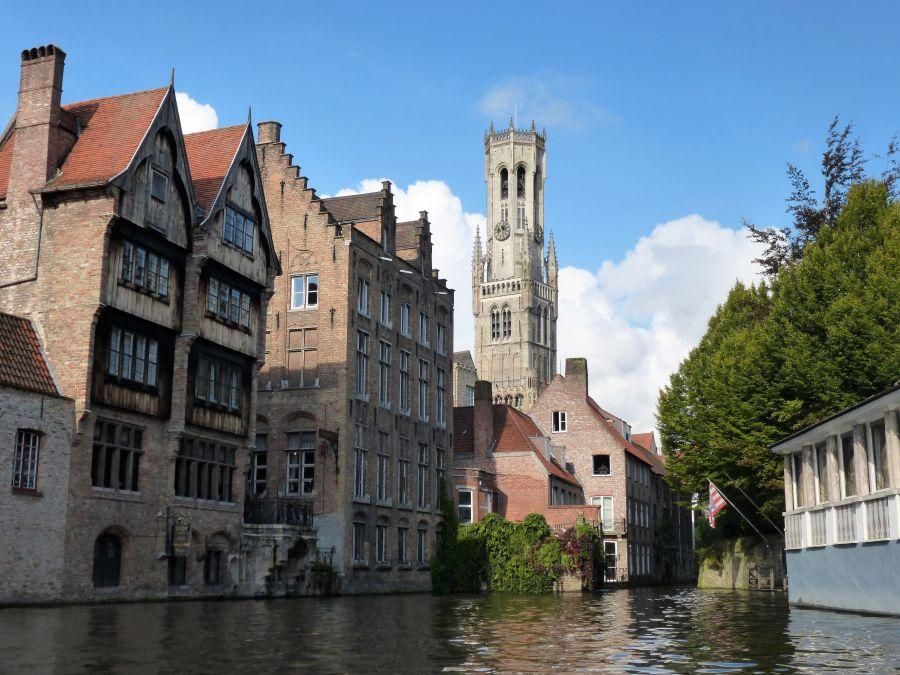 BL117-canal-and-cathedral