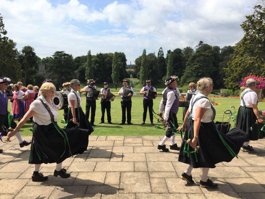 Bicton-Gardens---Raddon-Hill-dancers-1
